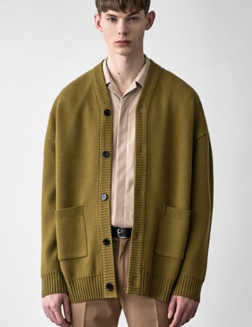 [RE-EDITION]  ESSENTIAL CARDIGAN [OLIVE]